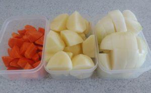 鶏手羽とろのトマトクリームシチューの作り方01