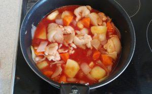 鶏手羽とろのトマトクリームシチューの作り方05