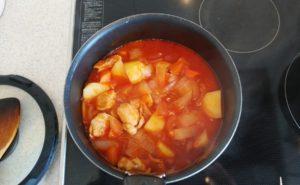 鶏手羽とろのトマトクリームシチューの作り方06