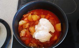 鶏手羽とろのトマトクリームシチューの作り方07