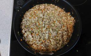 鶏むね挽肉の炒り豆腐の作り方09